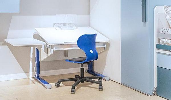 德国摩尔moll Bandit compact R 儿童学习桌椅套装